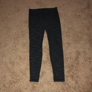 Black and gray lululemon legging